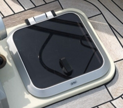 Flushline Deckhatch (565×565mm) with Gas Springs
